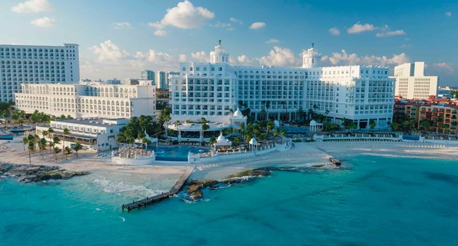 Hotel Riu Palace Las Americas  Wedding Venue