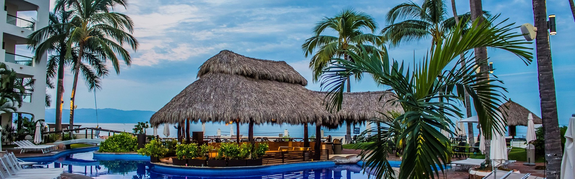 Plaza Pelicanos Grand Beach Resort Wedding Venue